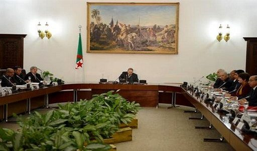 president-bouteflika-preside-une-reunion